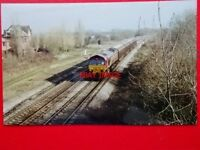 PHOTO  CLASS 66 DIESEL LOCO NO 66 132 AT CHURCHDOWN 13/2/01