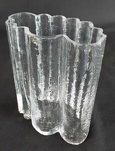 Vase aus Glas: Bengt Edenfalk / Skruf / EKB 9 - 3. Schweden. 17cm hoch