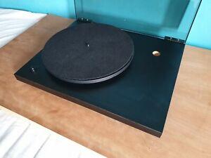 Rega Planar 3 turntable glass platter. No tonearm. Excellent condition.