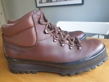 RARE 'ALFRED WAINWRIGHT' HIKING/WALKING BOOTS MADE BY 'K' OF KENDAL - SIZE 9.5