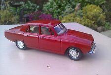 Diecast 1:43  Lledo Vanguards Rover 2000 P6 Red Mint Condition VA27000 Perfect