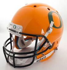 "OREGON DUCKS Football Helmet Nameplate ""O"" Decal/Sticker (GREEN)"