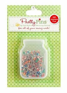 Riley Blake Designs 250 Assorted Applique Pins by Lori Holt