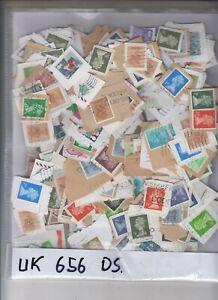 UK  656 Stamps Elisabeth on papers