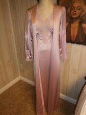 Fabulous ~ Vtg Vanity Fair Lilac Nightgown & Peignoir Size S to M