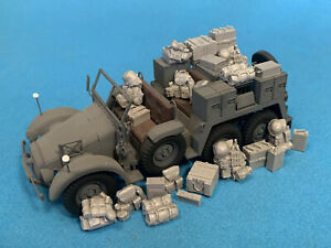 Rezcom 1/35 Resin WWII German Vehicle Stowage 26pc