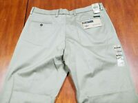 Dockers Men's Classic Fit Stretch Signature Khaki Pant-Pleated D3 Cloud 38x34