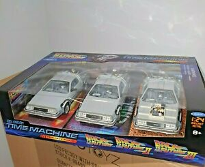 BACK TO THE FUTURE PART 1, 2, 3 DELOREAN 1:24 DIECAST MODEL 3 PACK GIFTBOX WELLY