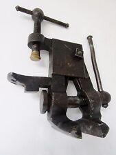 petite presse-étau-armurier- objet de métier-en métal brossé-début XX ème siècle
