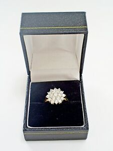 LOVELY BOXED 9CT YELLOW GOLD CUBIC ZIRCONIA 2.4 g CLUSTER RING/UK N 1/2 U.S 7