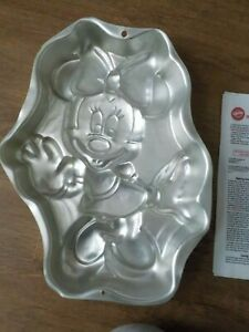WILTON MINNIE MOUSE FULL BODY CAKE PAN WITH INSTRUCTIONS - VGUC