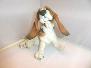 A Breed Apart Country Artists 'Berty'  Basset Hound Figurine 02843