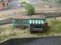 HO WOODLAND SCENICS GRILLIN & CHILLIN TRAILER BUILT  weathered and aged diorama