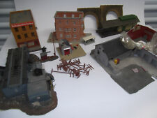 HO buildings, & others Vintage 10 pcs one powered