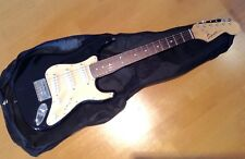 FENDER SQUIER MINI STRATOCASTER ELECTRIC GUITAR .SPLENDID CONDITION