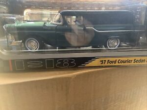 1957 Ford Courier Sedan Delivery Die Cast 1/18 Green ROAD Signature Collection