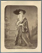 Sebah. Turquie, Dame turque en promenade  Vintage albumen print.  Tirage album