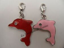 LOT 2 CHARMS BRELOQUE A FERMOIR METAL ARGENTE DAUPHINS ROUGE / ROSE - BIJOUX AD5