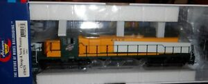 Athearn HO scale - SD40-2  Chicago & North Western #6913 DC 98278