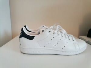 Adidas Stan Smith. size 8. Great condition