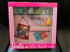New Barbie Pioneer Woman Ree Drummond Pasta Cooking Accessory Playset
