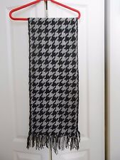 100% CASHMERE SCARF. GREY AND BLACK WEAVE.FRINGE UNUSUAL CHECK  CHINA