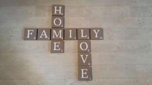 "Scrabble Buchstaben groß 12 x12 cm als Wanddeko A-Z  ""Braun"""
