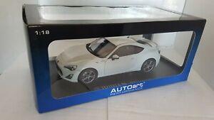 Toyota GT86 Limited 2012 AutoArt 1/18