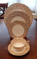 "WEDGWOOD ""FLORENTINE"" GOLD DRAGONS GREEN STAMP W4219  5 PIECE PLACE SETTING (S)"