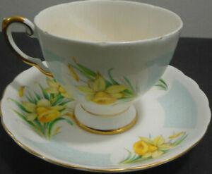 VINTAGE TUSCAN ROYAL FINE ENGLISH BONE CHINA BIRTHDAY FLOWERS MARCH CUP + SAUCER