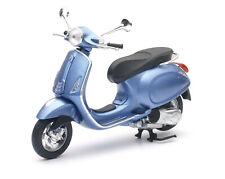 Vespa Primavera blau Maßstab 1:12 Modell von NewRay