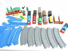 THOMAS THE TRAIN BATTERY MOTORIZED TRAINS CARS TRACKS SET LOT TOMY ERTL