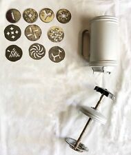 VINTAGE MIRRO ALUMINUM  COOKIE PASTRY CUTTER Side Handle PRESS w/ 9 DISCS