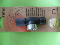 Zéfal Air Flash 402 Regulator Valve attachment for CO2 Cartridges Tube Inflator