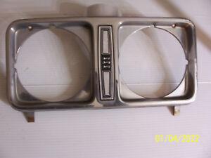 1975 FORD LTD CUSTOM 500 RIGHT HEADLIGHT TRIM BEZEL GRILL USED OEM 1976 1977