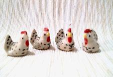 4  Chicken Figurine Ceramic Animals Miniature Collectibles Garden Farm Decor