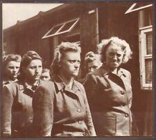 Les Gardiennes du Camp de Bergen Belsen. Photographe Oakes. 1945. Herta Bothe
