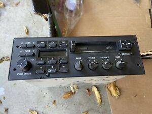 Ford Radio F2TF-19B132-AA, very good