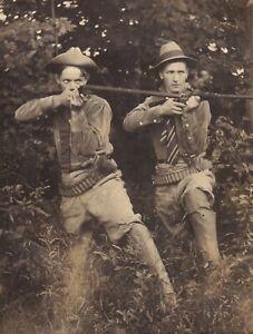 RPPC~1904-1918 Real Photo Postcard~Pair of HUNTERS w/ RIFLES & PISTOLS~AMMO Belt