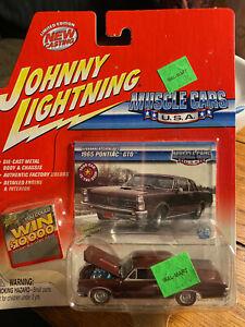Johnny Lightning Muscle Cars U.S.A. 1965 65 Pontiac GTO Burgundy  Die Cast 1/64