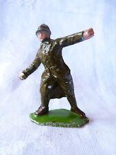 Soldat alu - fantassin - poilu lançant une grenade - PC8