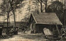 SCENES CHAMPETRES - Cabane de bucheron dans la fôret