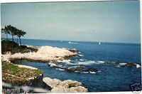 Photographie - Cap d'Antibes - Villa Mokolo, bord de mer devant la maison (i966)