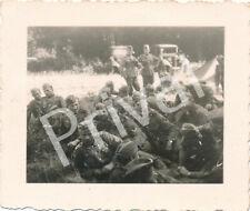 Foto WK2 Soldaten Wehrmacht Pause Konzert in Chemery Frankreich France A1.40