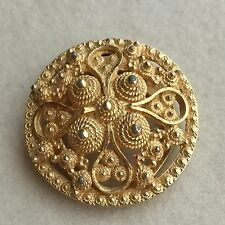 Vintage GOLD Tone CANNETILLE Etruscan STYLE Filigree SCARF Clip ROUND Brooch