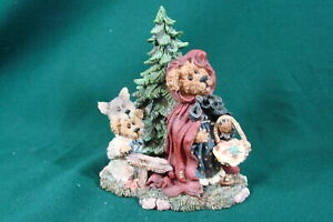 Boyds Bears & Friends Lil' Red with B.B. Woof Going to Grandma's 2452 No Box