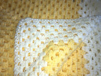 BEAUTIFUL NEW HANDMADE CROCHET BABY BLANKET/AFGHAN - YELLOW & ANTIQUE WHITE