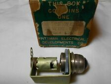 HO TRAIN VINTAGE PITTMAN ELECTRICAL PILOT LAMP ASSEMBLY LOW VOLTAGE GREEN NIB!