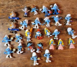 The smurfs figures lot of 31 Smurfette, Vanity,  Papa Smurf, Smurf huts & more!