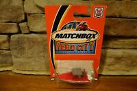NIB 2002 Matchbox Hero City #44 Center Console Boat White and Red #97739-0718